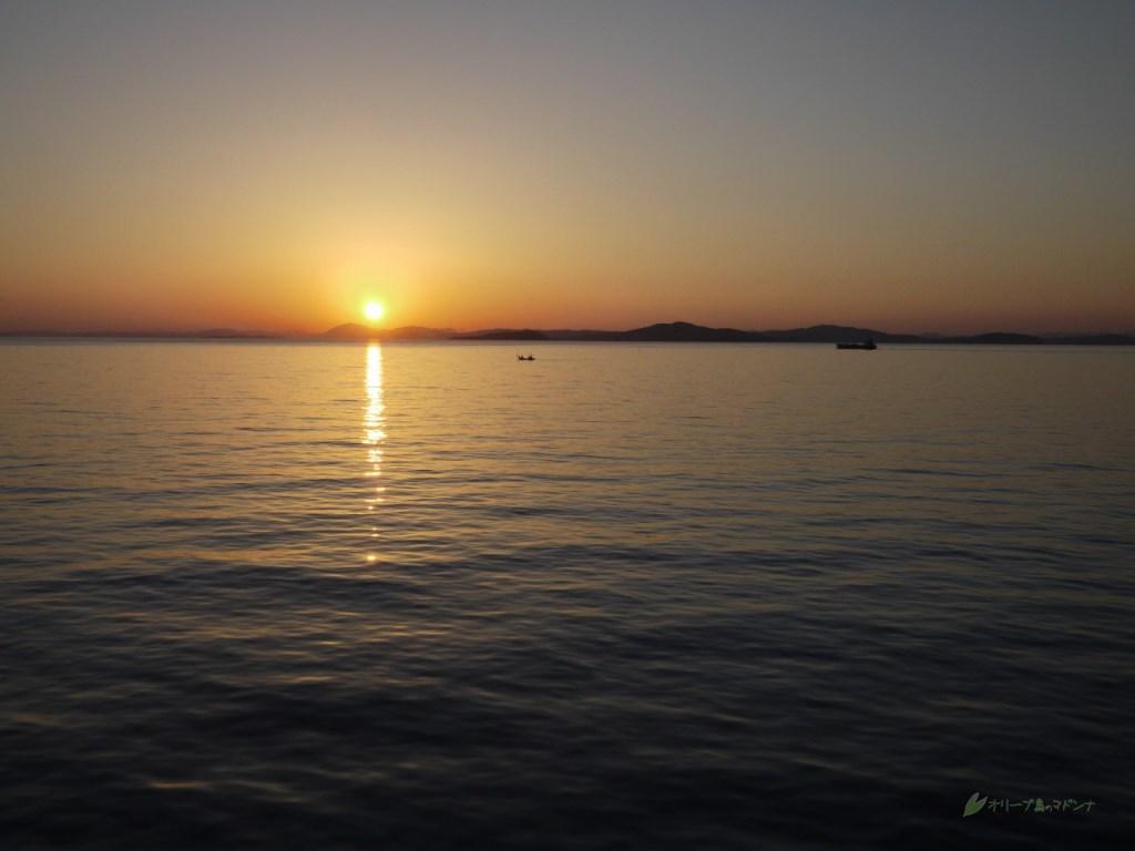 小豆島から帰る船で見た太陽(日没)