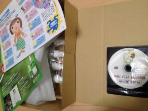 通販でPR用DVDを梱包