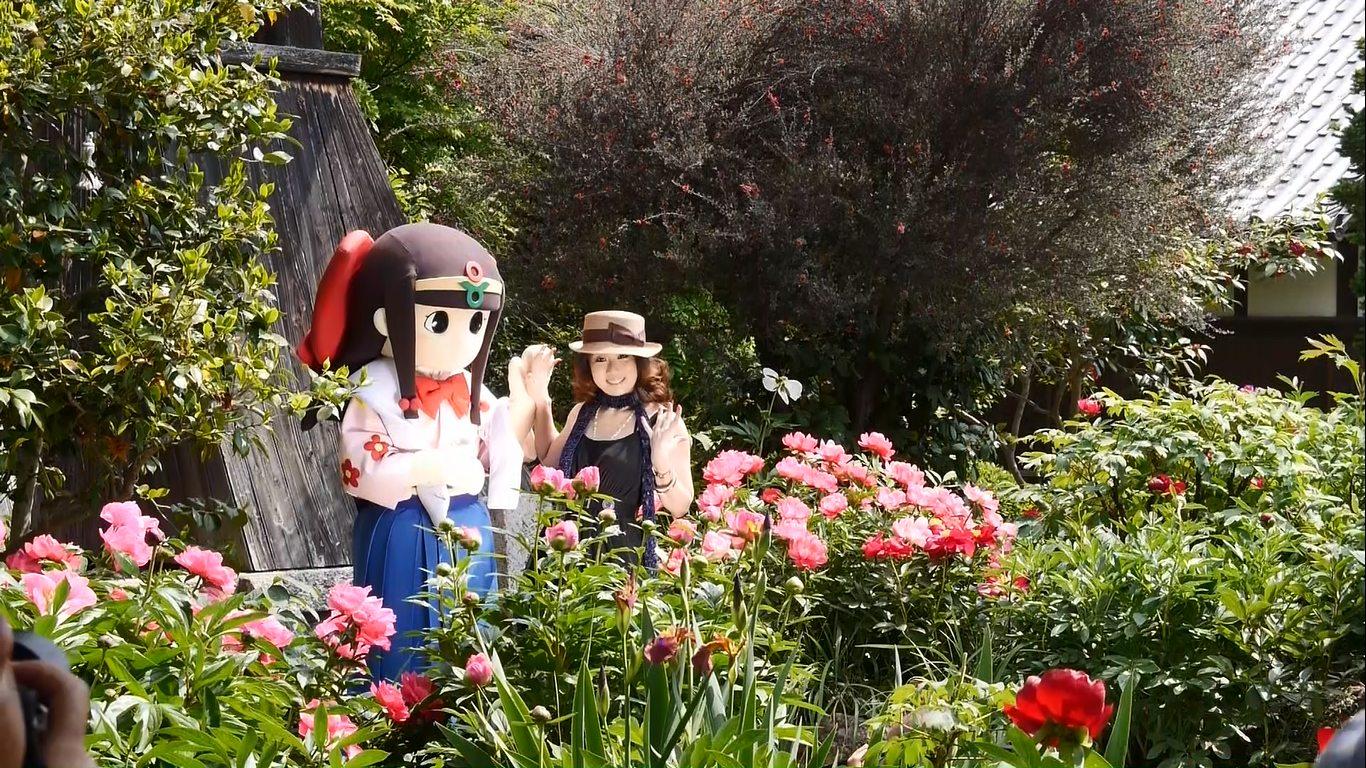 石光寺と芍薬と蓮花ちゃんと雪ちゃん