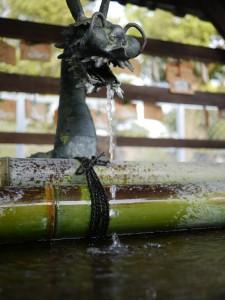 龍の手洗い場